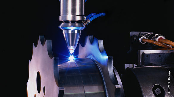 [Translate to German:] Physiki Instrumente (PI): Applications Laser welding